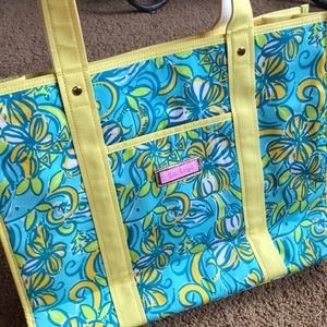 NWOT Lilly Pulitzer Tote Dolphins